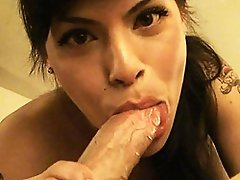 Sensual transsexual Foxxy in deep throat action