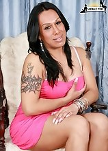 Kim is originally from Boston and is new to the NY area. I met her through her friend Pamela who is already on the site. She loves getting fucked by c